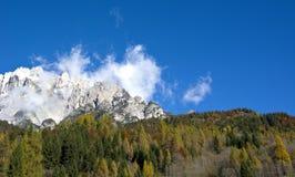 秋天白云岩的颜色 免版税图库摄影