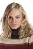 秋天白肤金发的女孩纵向 免版税库存图片