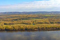 秋天的伟大的河沼泽地 免版税库存照片