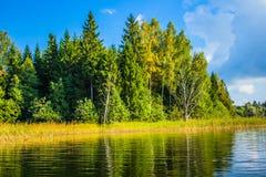 秋天的湖 免版税图库摄影