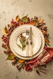 秋天秋天或感恩喜怒无常的桌布景 免版税库存图片