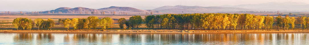 秋天秋天的多瑙河 库存照片