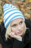 秋天纵向妇女年轻人 免版税库存图片