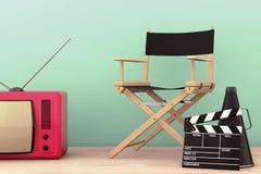 秋天老照片样式城镇 Chair主任,电影拍板和扩音机机智 免版税库存照片