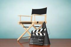 秋天老照片样式城镇 Chair主任,电影拍板和扩音机 库存图片