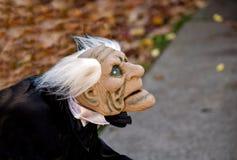 秋天背景的可怕男管家 图库摄影