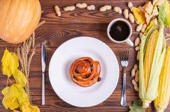 秋天菜的构成在棕色木背景的 免版税图库摄影