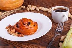 秋天菜的构成在棕色木背景的 图库摄影