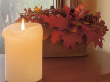 秋天蜡烛安排 免版税库存照片
