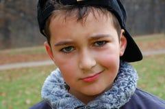 秋天青少年男孩的纵向 免版税图库摄影