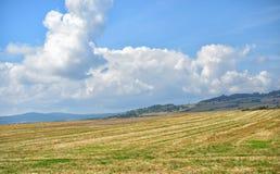 秋天领域在奥韦涅地区 免版税库存图片
