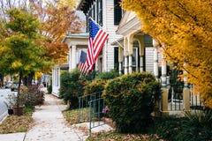 秋天颜色和房子在伊斯顿,马里兰 库存照片
