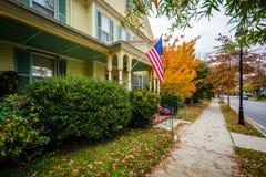 秋天颜色和房子街市伊斯顿的,马里兰 库存照片