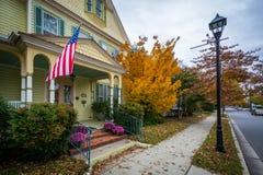 秋天颜色和房子街市伊斯顿的,马里兰 库存图片