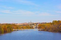 秋天颜色在乔治城,华盛顿特区 图库摄影