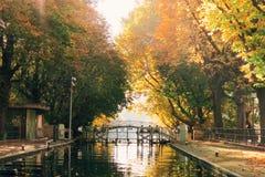 秋天颜色在巴黎 库存照片