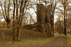 秋天风景城堡的场面 免版税库存照片