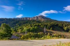 秋天风景山脉名古屋Kosh在阿迪格共和国 免版税库存照片