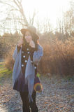 秋天,秋天年轻美丽的亚裔妇女10 免版税库存图片
