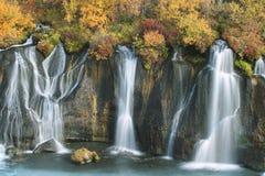 秋天hraunfossar瀑布 库存照片