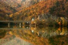 秋天olt罗马尼亚谷 库存图片
