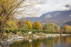 秋季lakescape 库存图片