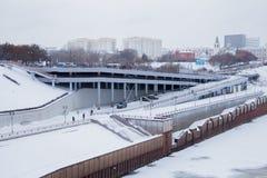 秋明州,俄罗斯- 11月05 2016年:与riv的冬天风景 库存照片
