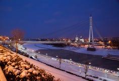 秋明州,俄罗斯- 11月05 2016年:冬天与a的夜风景 免版税库存图片