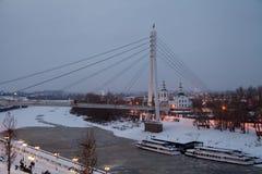 秋明州,俄罗斯- 11月05 2016年:冬天与a的夜风景 免版税库存照片