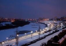 秋明州,俄罗斯- 11月05 2016年:冬天夜风景从 免版税库存图片