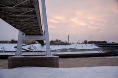 秋明州,俄罗斯- 11月05 2016年:在日落wi的冬天风景 库存照片