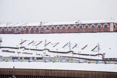 秋明州,俄罗斯- 11月05 2016年:在码头倾斜的信件  库存图片