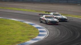 种族双倍争斗获得者Rn体育与获得者DIXCEL的SLS GT300 免版税库存图片