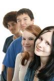 种族朋友微笑青少年 免版税库存照片