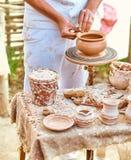 种族艺术,熟练的主要创造的罐黏土 库存图片