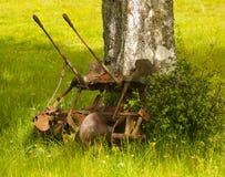 种田工具的老葡萄酒 免版税库存照片