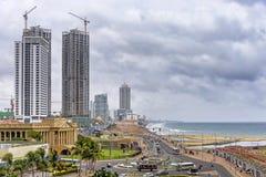 科伦坡堡垒地平线在风雨如磐的天空,斯里兰卡下 图库摄影