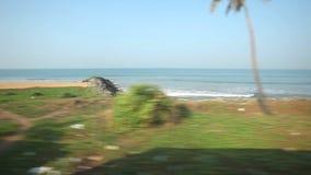 科伦坡,斯里兰卡- 2014年2月:科伦坡海边看法从通过火车的 斯里兰卡的铁路运输数百万peop 影视素材