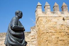科多巴-哲学家Lucius Annaeus塞内卡雕象年轻阿马德奥鲁伊斯Olmos 免版税库存照片