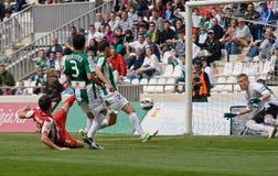 科多巴,西班牙- 3月17 :基督徒行动的费尔南德斯R (18)在比赛同盟科多巴期间(W)对阿尔梅里雅(r) (4-1) 免版税图库摄影