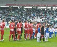 科多巴,西班牙- 3月17 :球员标注姓名起首字母对准线在比赛同盟科多巴期间(W)对市政体育场的o阿尔梅里雅(r) (4-1) 免版税库存图片