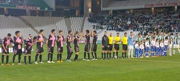 科多巴,西班牙- 3月30 : 在行动的球员最初的对准线在比赛同盟科多巴期间(W)对Munici的萨瓦德尔(b) (3-0) 库存照片