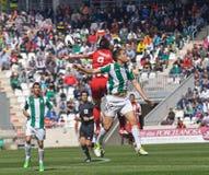 科多巴,西班牙- 3月17 : 查尔斯Dias Oliveira R (9)在比赛同盟科多巴期间的行动(W)对阿尔梅里雅(r) (4-1) 库存照片
