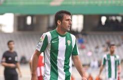 科多巴,西班牙- 3月17 : 胡安拉斐尔丰特斯W (3)在比赛同盟科多巴期间的行动(W)对阿尔梅里雅(r) (4-1) 免版税库存图片