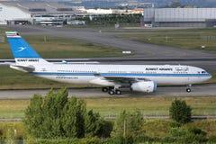 科威特频道空中客车A330-200飞机 免版税库存照片