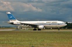 科威特频道空中客车A300 9K-AMA 免版税库存照片