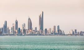科威特` s海岸线和地平线 免版税库存照片