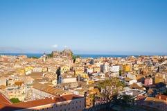 科孚岛市鸟瞰图如被看见从在科孚岛海岛,希腊上的新的堡垒 免版税图库摄影