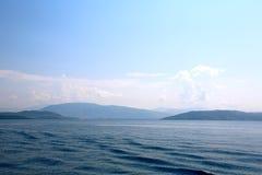 科孚岛海和阿尔巴尼亚的海岸 免版税库存图片