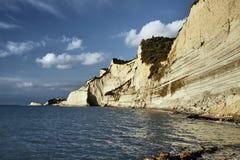 科孚岛海岛的岩石峭壁  免版税图库摄影